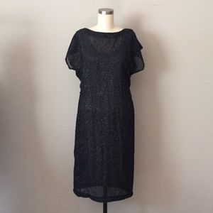 Dresses & Skirts - Reversible black midi dress